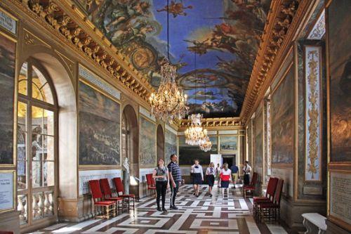 北欧4ヵ国の旅 その58 ストックホルム郊外の世界遺産殿・ドロットニングホルム宮殿の3階の大きな天井画のある部屋