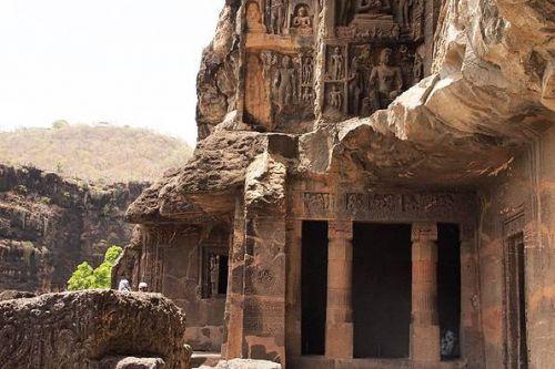 トラに襲われて発見されたインドの世界遺産【アジャンター石窟群】旅行記 - TATSU&YUKIの二人旅.COM
