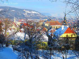 ルーマニア・世界遺産シギショアラの時計塔と山上教会からの絶景|ルーマニア|LINEトラベルjp 旅行ガイド