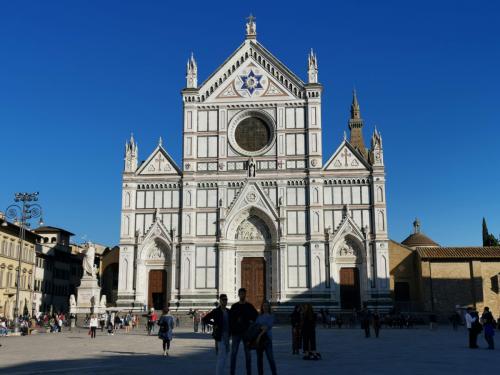 【フィレンツェ観光】サンタ・クローチェ聖堂内部を観光! - ヨーロッパ旅行記(とその他諸々)