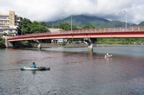 川と水のグラデーションに感激!屋久島カヌーガイドツアー