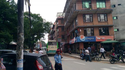 【震災で破壊された世界遺産】ヒマラヤ南麓横断旅12:ネパール・バクタプル - snowm-tabi-log