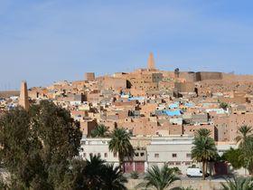 アルジェリアの世界遺産「ムザブの谷」イスラムの伝統を守る町|アルジェリア|LINEトラベルjp 旅行ガイド