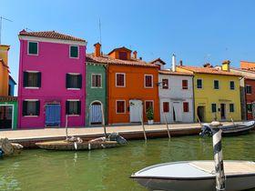 カラフルなブラーノ島!ヴェネツィア・ラグーンの島を日帰り観光|イタリア|LINEトラベルjp 旅行ガイド